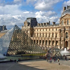 Крепость, дворец, музей. Понять историю и значение Лувра за 2 часа
