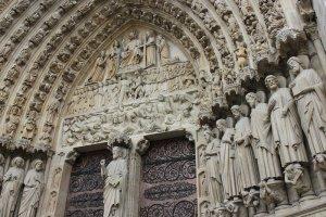 Нотр-Дам де Пари — cимфония в камне