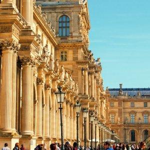 Лувр сквозь века и эпохи