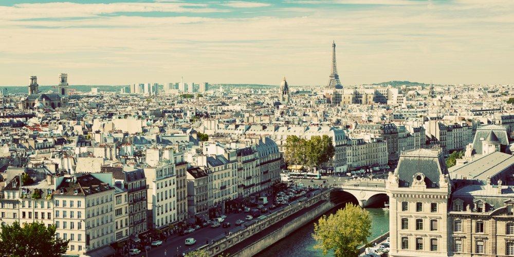 Погода в Париже летом
