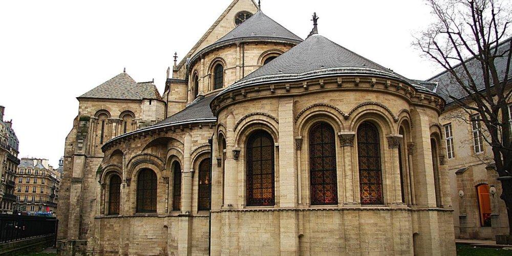 Монастырь Сен-Мартин-де-Шамп