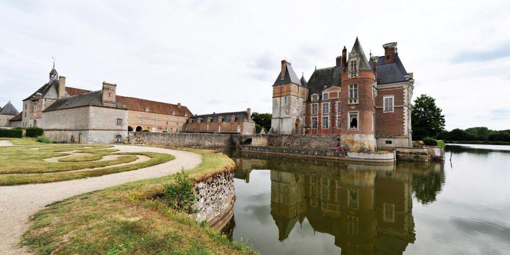 Замок Ла Бюссьер