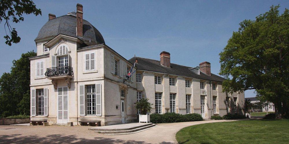 Замок Шатенёф-сюр-Луар