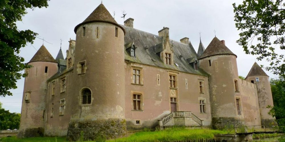 Замок Эне-ле-Вьей