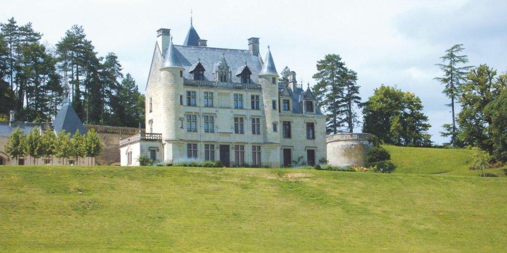 Замок Пети-Туар