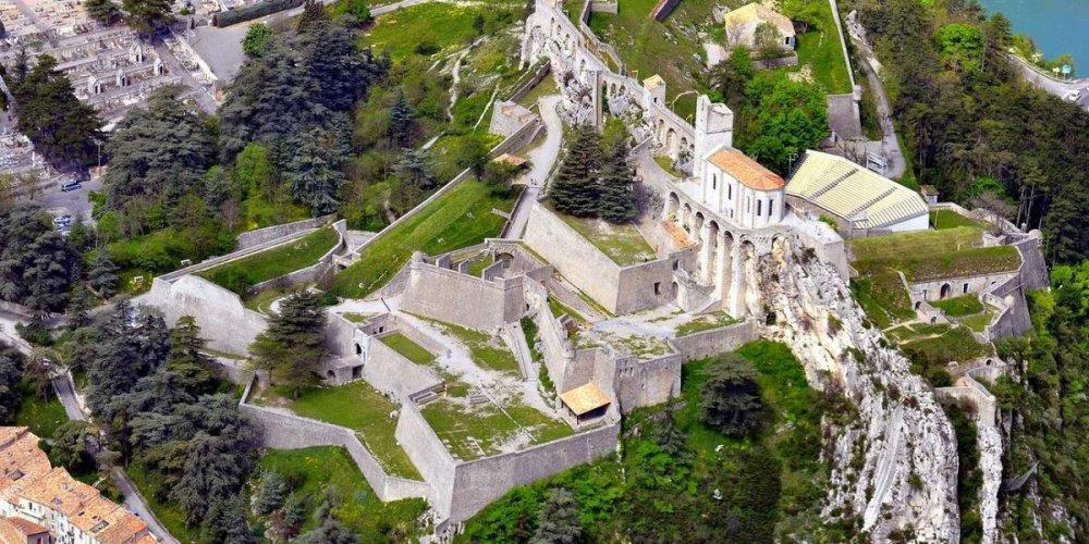 Замок Систерон