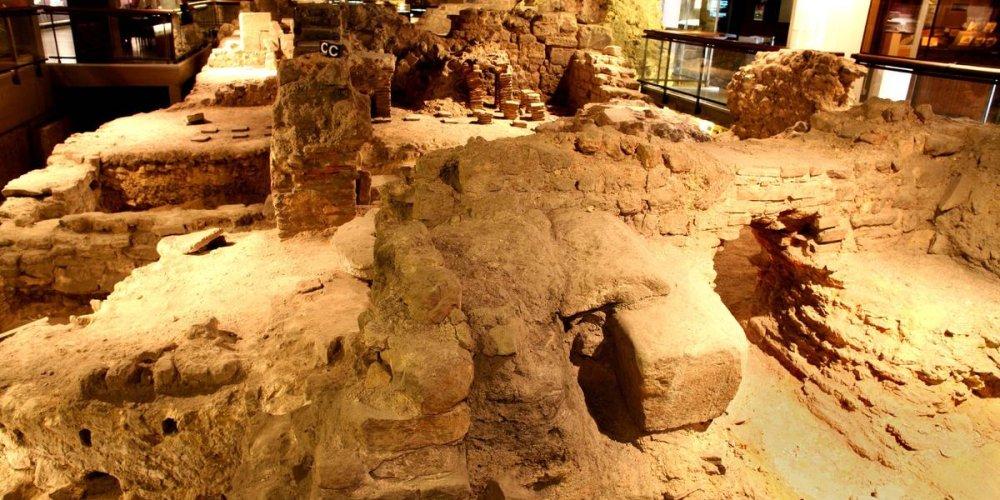 Археологическая крипта собора Парижской Богоматери
