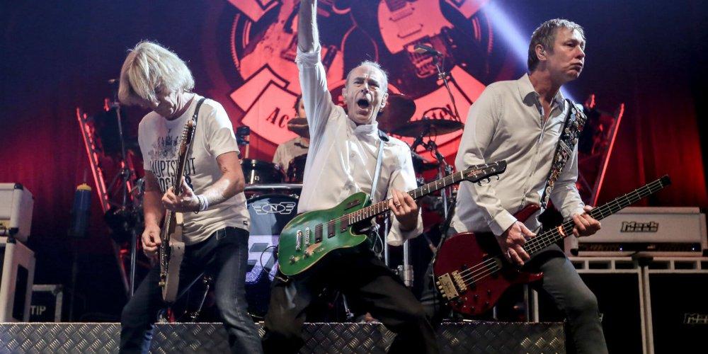 Концерт Status Quo