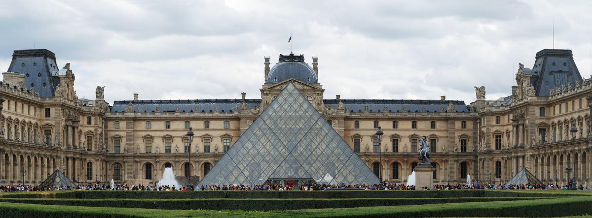 %D0%9B%D1%83%D0%B2%D1%80-Musee-du-Louvre