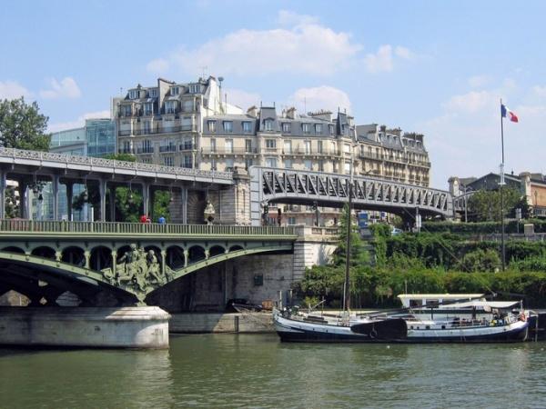 Мост бир акейм в париже