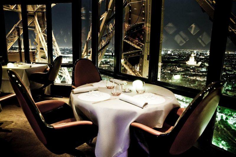 Ресторан Эйфелевой башни
