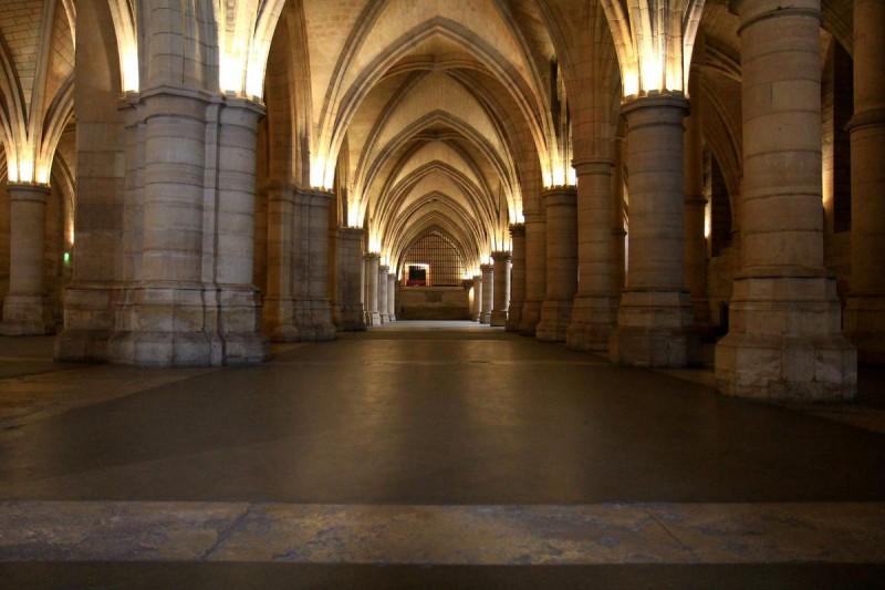 коридор заключенных