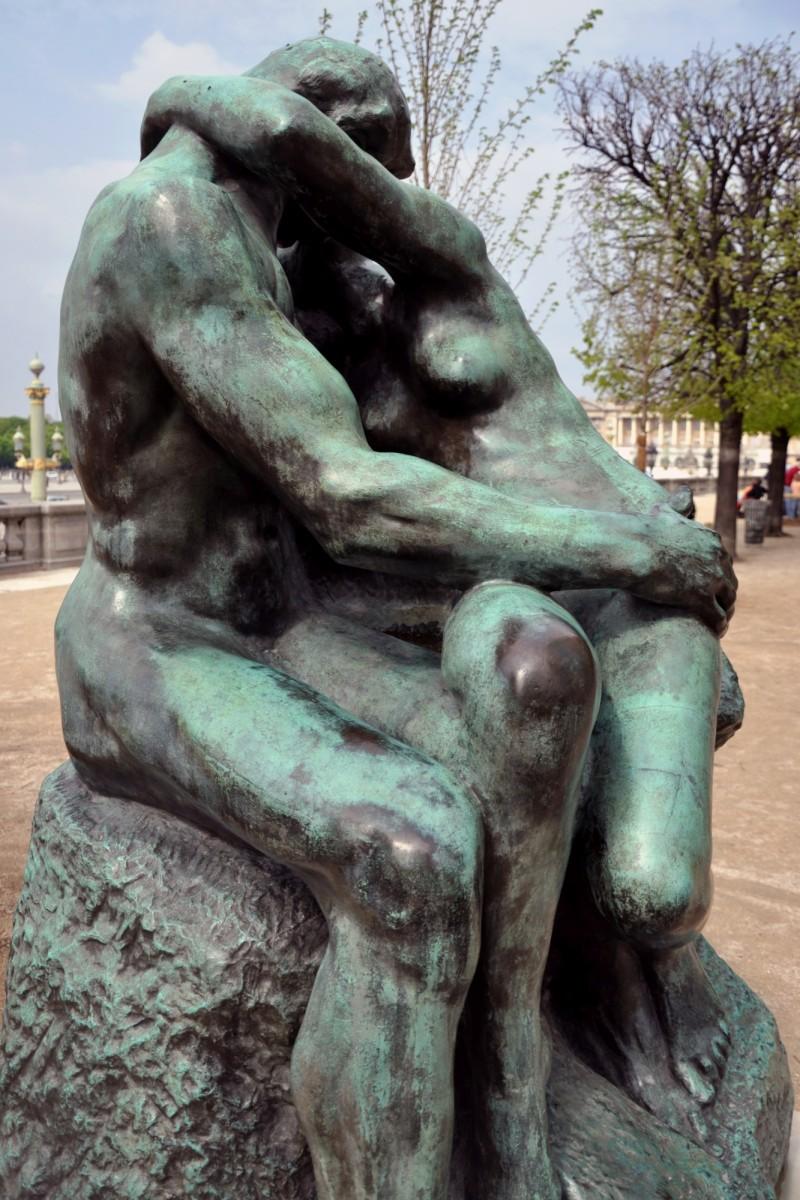 Статуя Поцелуй Родена
