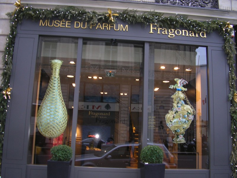https://frenchparis.ru/wp-content/uploads/frenchparis/2012/12/Fragonard-Perfume-Museum1-800x600.jpg