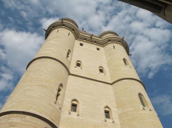 Венсенский замок - стена