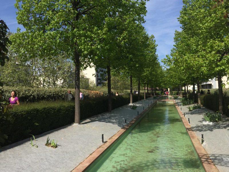 Зеленая аллея в Париже 2