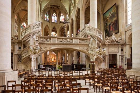 Церковь Сент-Этьен-дю-Мон - внутри