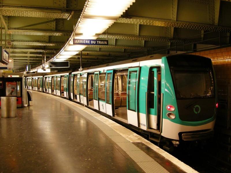 метро поезда