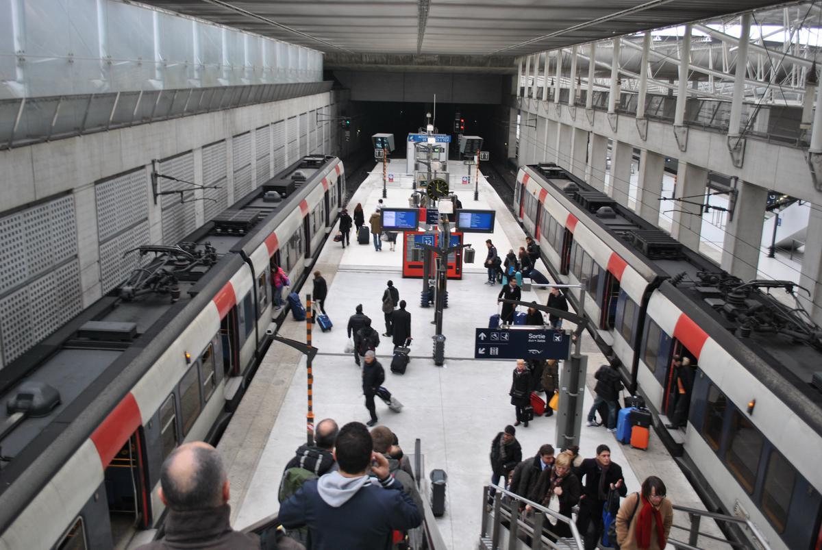схема аэропорта шарля де голля терминалы