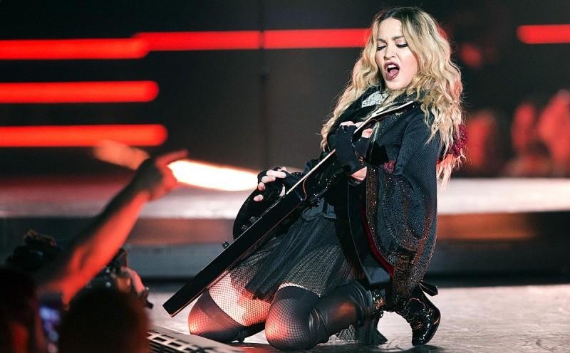 Концерт Мадонны в Париже6