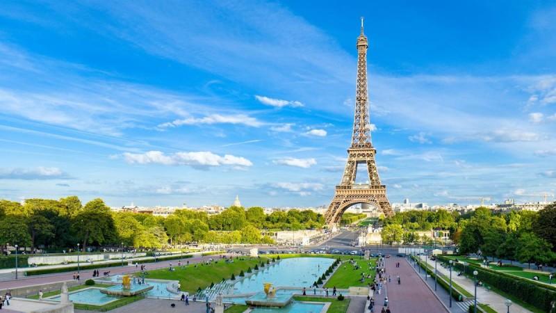 париж транзитом