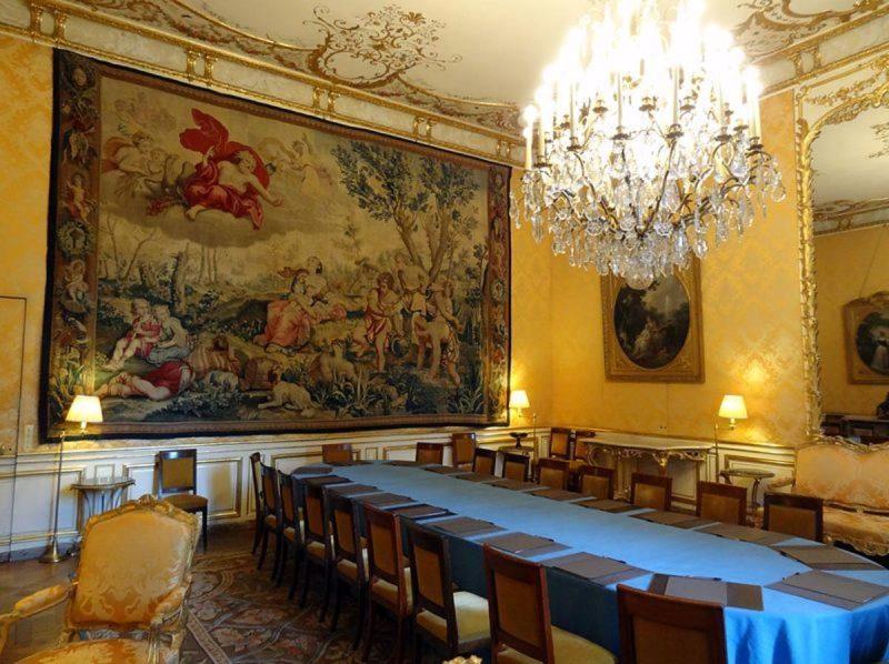 Матиньонский дворец16